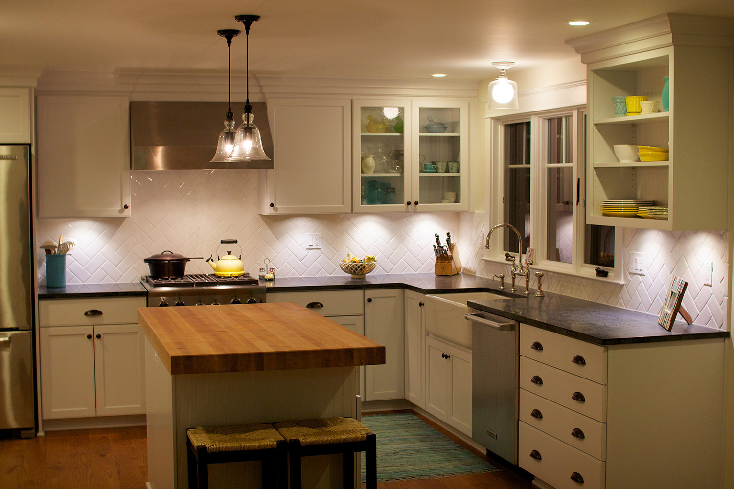 Undercabinet Kitchen Lighting